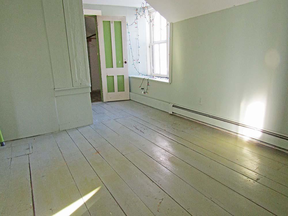 upstairs-rm-new2