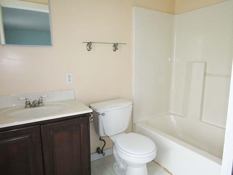 full-bath-upstairs